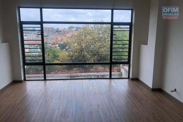Vente appartement de 145,13m2 neuf sur TALATAMATY, avec piscine chauffé