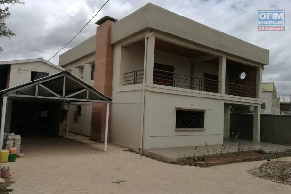 Villa neuve F5 à finir à Ambohinambo Talatamaty