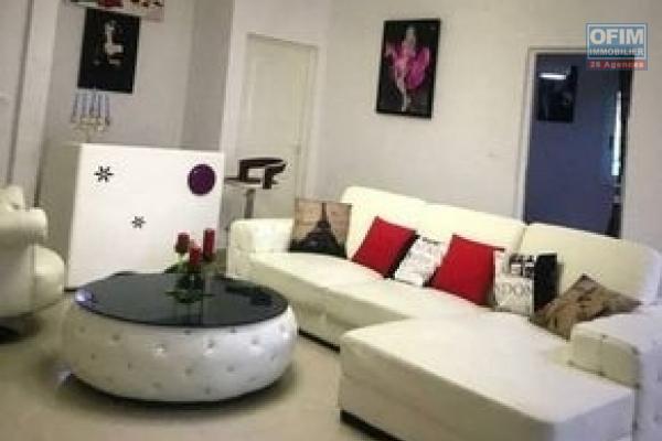 OFIM Immobilier offre en location un appartement T5 entièrement meublé et équipé à Ankerana qui est en moins de 5min d'Ankorondrano accessible via la nouvelle rocade Marais masay et Nanisana