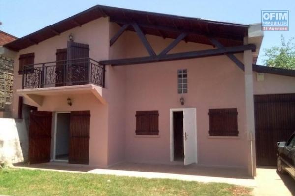 A louer une jolie villa F4 dans un endroit calme et résidentiel à Ambohibao