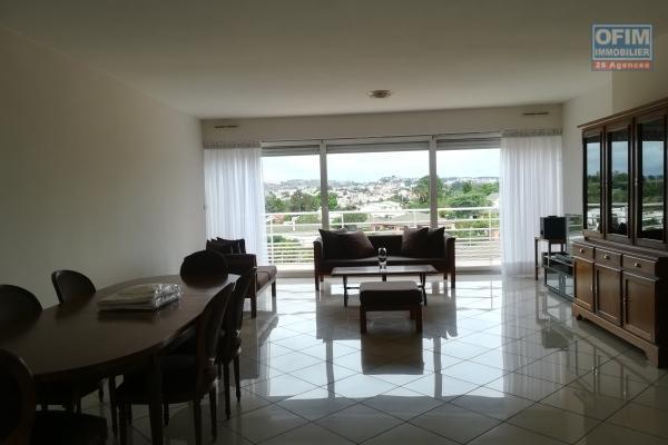 Un appartement T4 de haut standing meublé et équipé dans une résidence à Ivandry