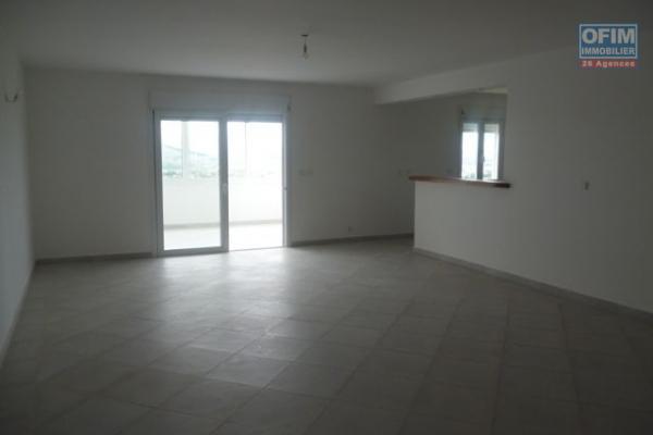 A vendre à Ambatobe appartement de standing de type T3 dans un lotissement résidentiel