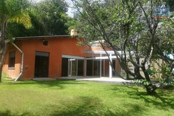 Une villa F5 avec piscine dans une résidence à Ilafy