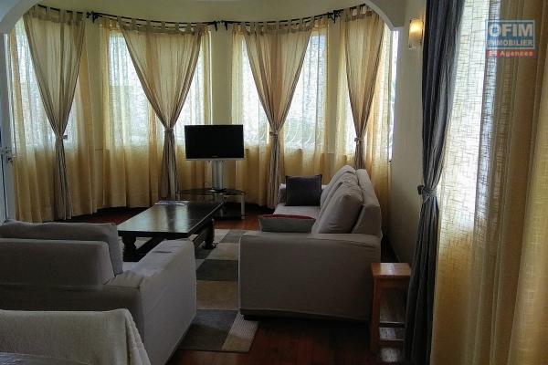 Location maison F6 meublée à usage mixte à  10mn d'Ambatobe et à 7 mn de l'école Française B