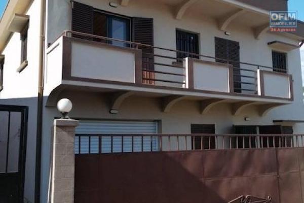 A louer une villa neuve F5 dans un quartier calme et bon voisinage à Imerinafovoany