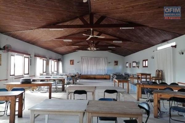 A louer un local de 300m2 pour usage professionnel dans un endroit calme et sécurisé à Talatamaty
