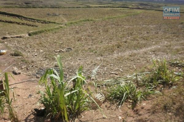 A vendre, un beau terrain plat, prêt à bâtir de 835 m2 à Ivandry Lotissement Bonnet- Antananarivo