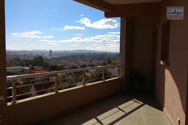 Location d'un bel appartement T3 avec superbe vue à Andrainarivo