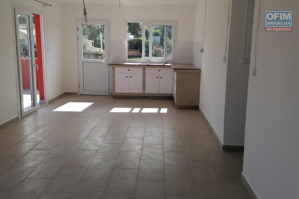 À louer un appartement de type T3 dans un endroit calme avec vue sur Marais masay sis à Ivandry