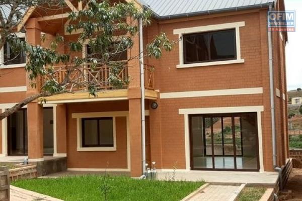 Une villa F3 de type traditionnelle à Ambohijanaka