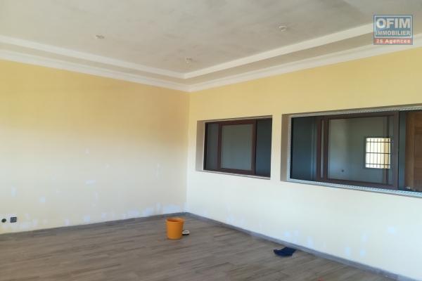 Un appartement T4 neuf à Mandrosoa Ivato
