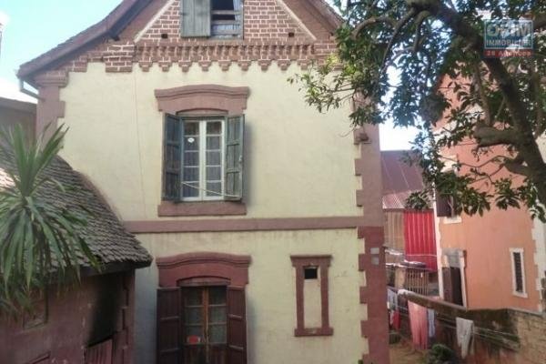 A vendre belle villa F5  à ilafy près lambert