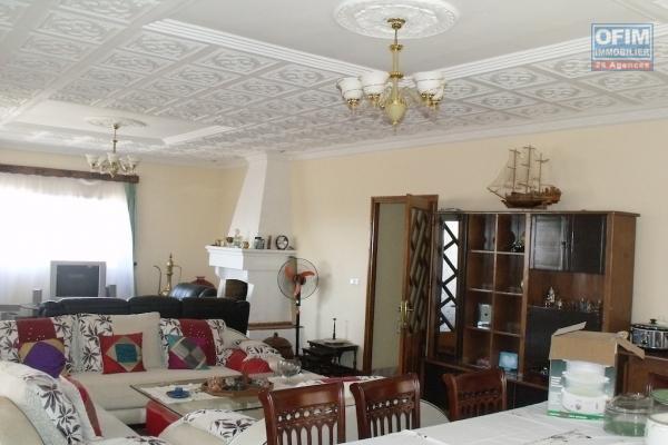 A louer une villa F4 à Ambatobe Antananarivo