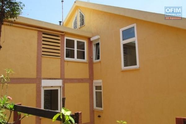 Un appartement T4 d'environ 150m2  sécurisé à Ivandry