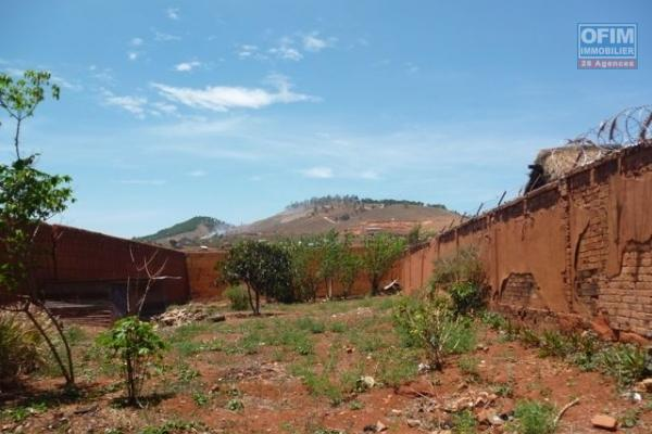 A Vendre un terrain de 19200m2 sur Fiakara(Ivato)