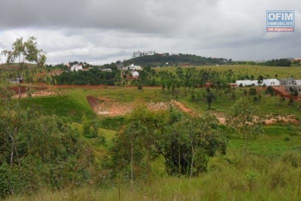 A vendre terrain 2800 m2 à Ilafy Manandona
