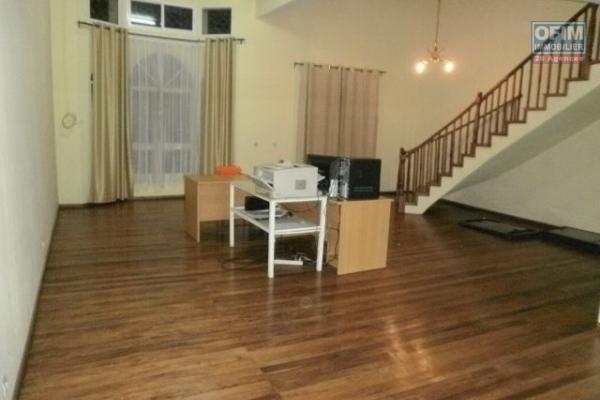 A vendre, une villa F3 dans le quartier résidentiel d'Alasora Antananarivo
