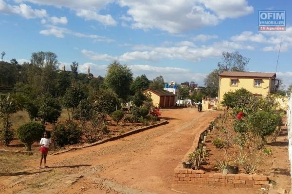 A vendre Maison bien placé plein centre ville à Ampandrana