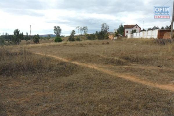 A vendre terrain de 2000 m2 à Ambohimanga soavinimerina