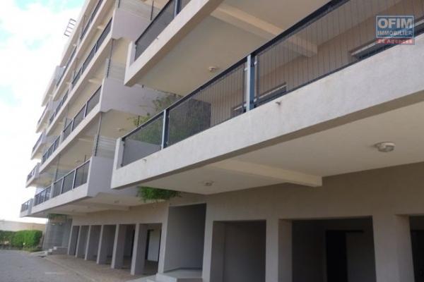 A vendre très bel appartement neuf  de standing de type T3 à Andrononobe proche du Lycée Français.