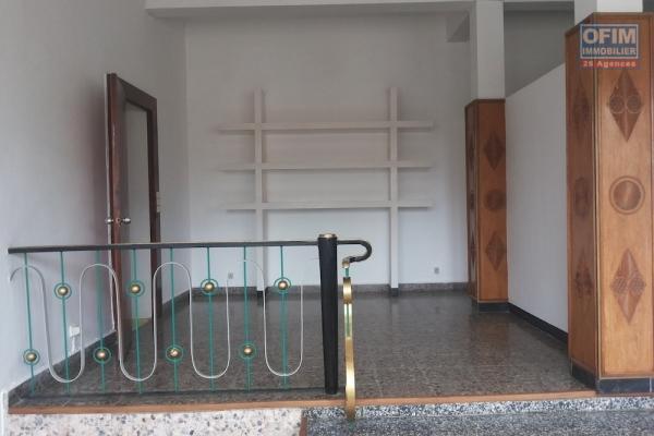 A louer un local de 125m2 à Amparibe Antananarivo