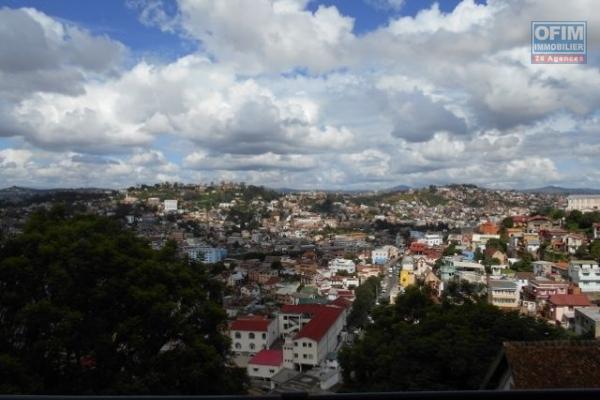 A louer un appartement neuf T3 de haut standing avec une très belle vue à Faravohitra
