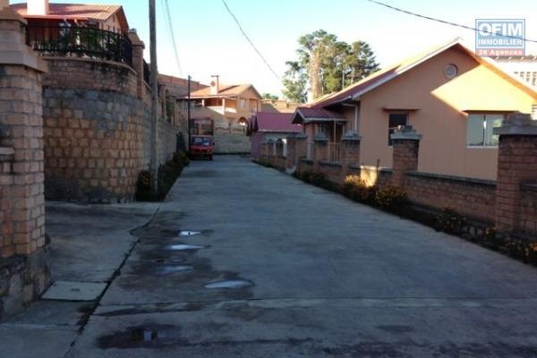 Une domaine a vendre sur un terrain de 1200m2 a Ankadindravola ivato