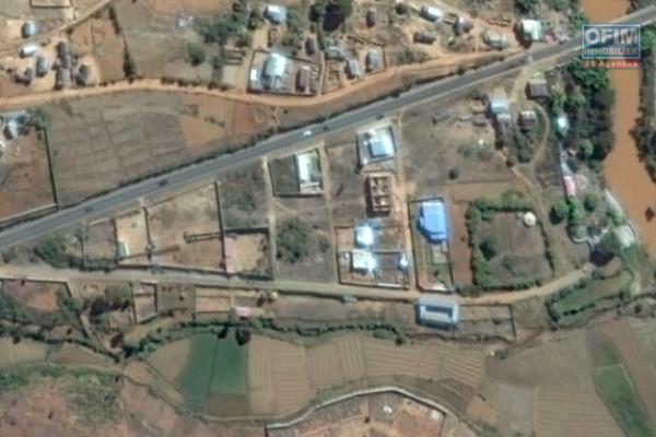 A vendre terrain de 1360 m2 à Imertsiatosika beronono Kataoka  pres SRK