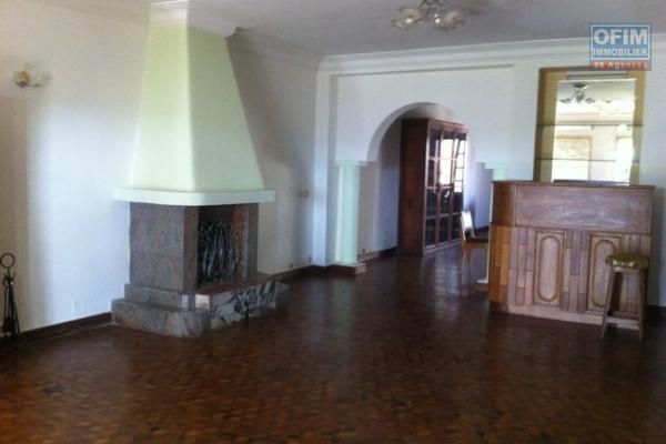 OFIM propose une spacieuse villa F4 dans un quartier calme et sécurisé d'Ivandry au lotissement bonnet