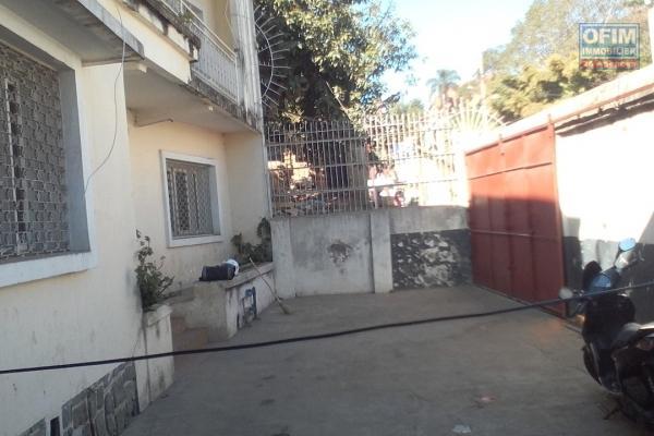 A vendre immeuble R+2 à Ankadidramamay Ampasampito