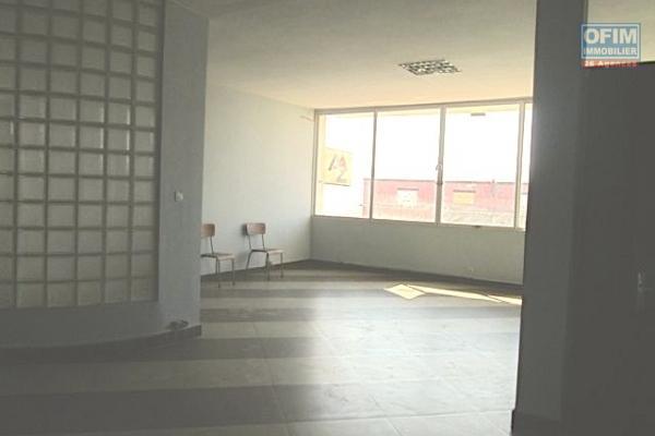 OFIM propose a la location un beau local de 70m2 à Ankazomanga