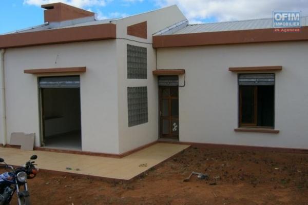 A vendre belle villa de plain pied dans un lotissement résidentiel sécurisé à Ilafy