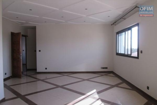 A louer un appartement neuf T3 à Faravohitra Antananarivo