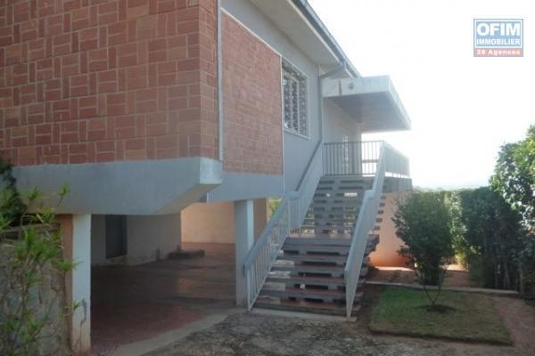 A vendre charmante  villa F5 à ivandry Mahatony