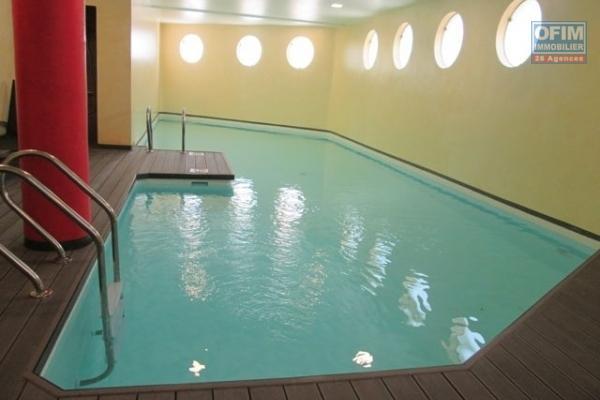 A vendre appartement neuf  T5 de 157   m2 dans le quartier chic de la  haute ville avec une magnifique vue