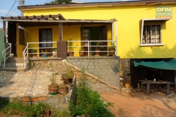 Vente d' une villa avec 02 studios tanjombato ankarobato