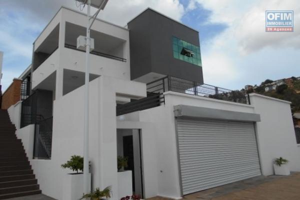 Une villa F4 sécurisée à Ambohimahitsy