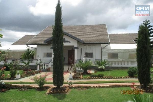 OFIM propose à la location une villa de type F6 non meublée à Ambohibao Manerinerina