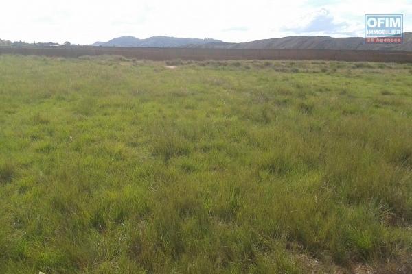 Terrain offrant un beau paysage à Lazaina Isahafa