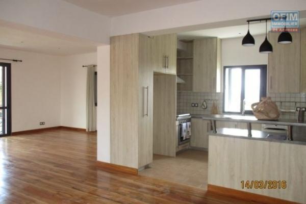 OFIM met en location 4 apartments neufs avec piscine à 10mn à pieds du lycée Francais à Ambatobe